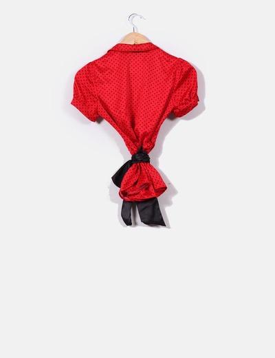 Blusa satinada roja con corazones