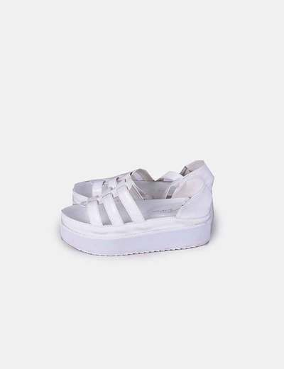 Chaussures blanches de plate-forme NoName