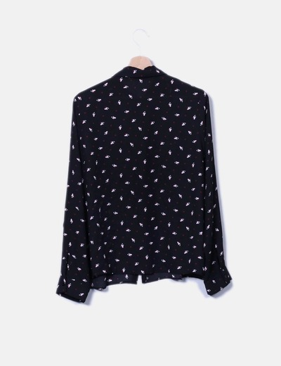 Blusa negra estampada