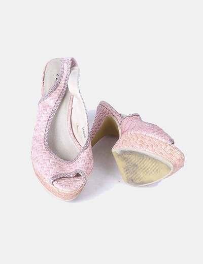 Zapato rosa texturizado