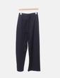 Pantalón negro corchetes laterales Zara