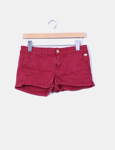 Short burdeos Stradivarius