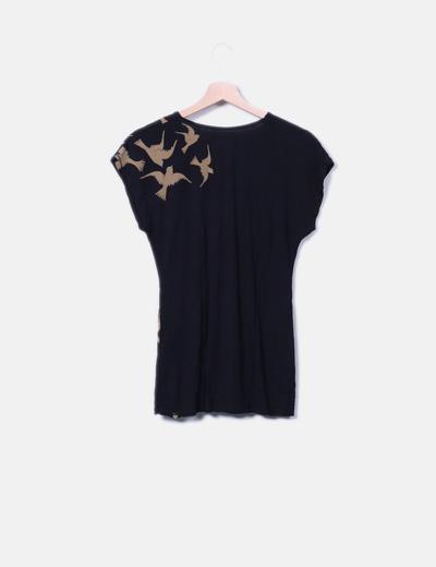 Camiseta negra print birds detalle nudo