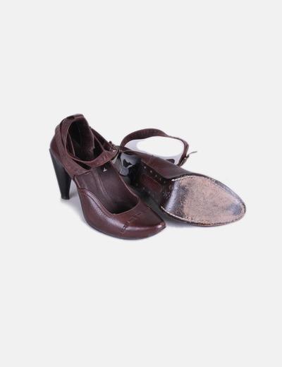 ... Diesel   Chaussures marron avec motif à talon. Zapato marron detalle  tacon. Zapato marron detalle tacon 687234a0e3ed