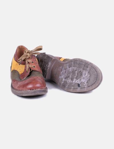 Zapato tricolor con cordon