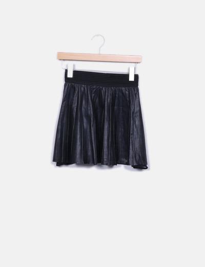 Minifalda negra polipiel goma Zara
