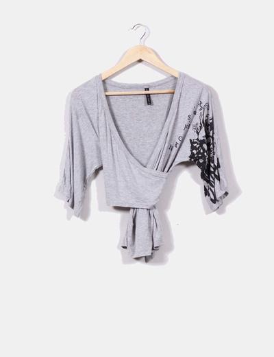 Camiseta gris cruzada NoName