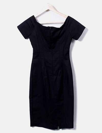 Vestido negro detalle escote