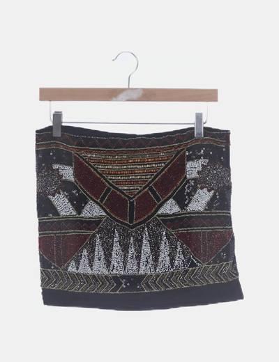 Minifalda negra print étnico abalorios