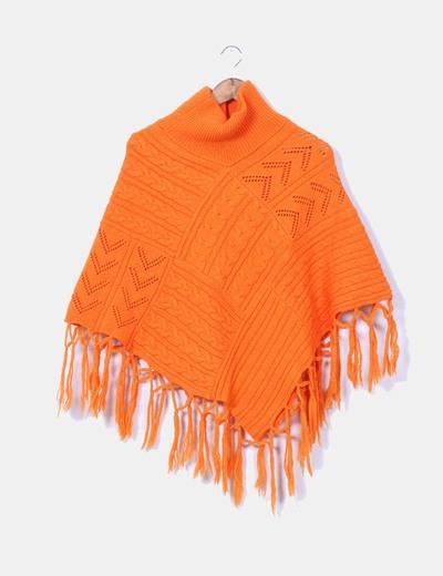 Poncho naranja con flecos Passigatti