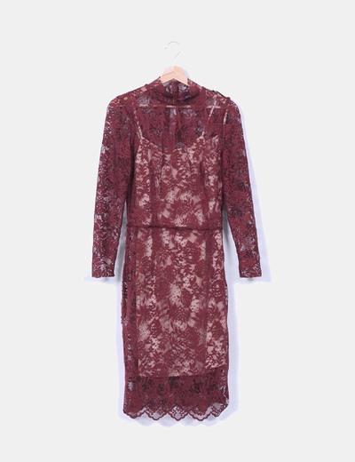 Vestido encaje burdeos Zara