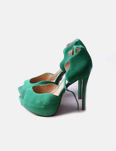 Sandalia de tacón verde con pulsera Schutz