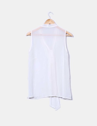 Camisa semitransparente con lazo