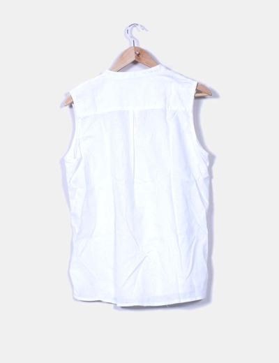 Camisa blanca sin mangas