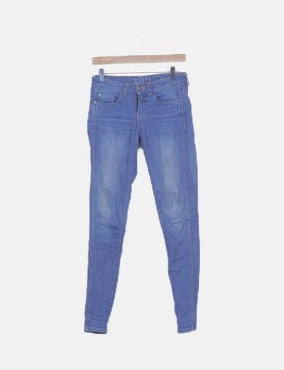 Jeans azul tono medio