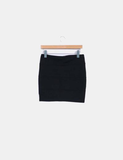 Mini falda negra ajustada