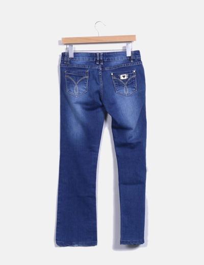 Jeans tono medio pata acampanada