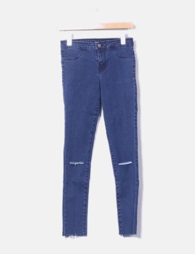 Pantalón pitillo azul roturas rodillas