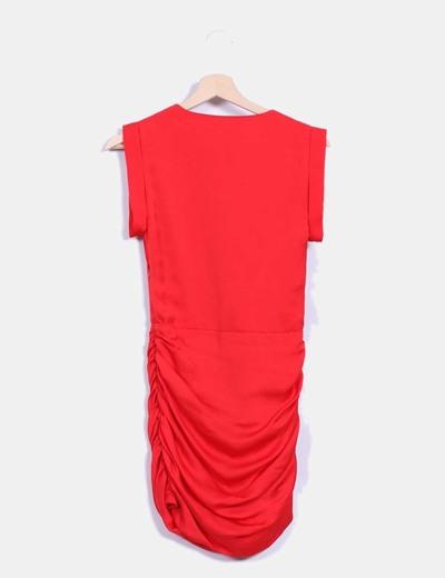 Vestido rojo drapeado satinado