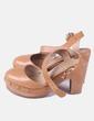 Zapato marrón tachas Uterqüe
