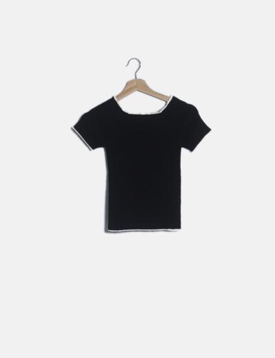 Camiseta negra elástica canalé