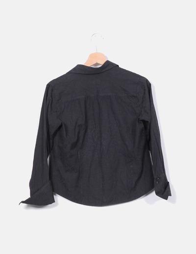 Camisa negra texturizada