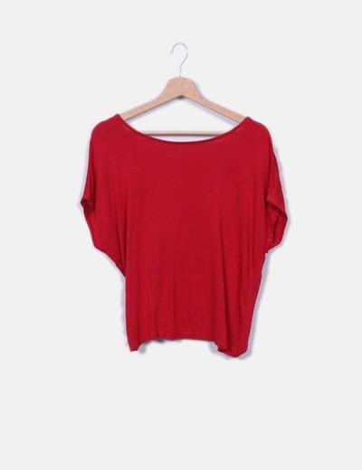 T-shirt rouge nouée dans le dos Bershka