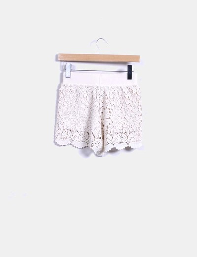 Short beige crochet