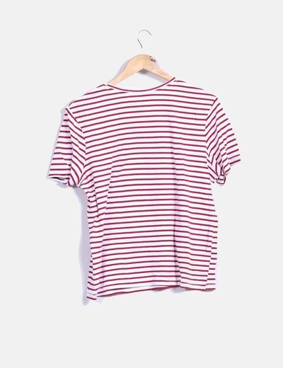 Camiseta de rayas rojo y blanco