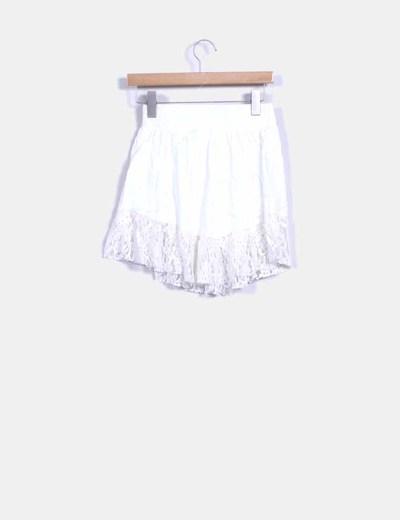Mini falda blanca encaje