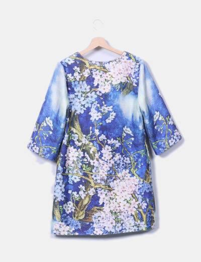 Abrigo floral texturizado