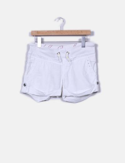 9bd631a134 Bershka Short blanco de lino (descuento 93%) - Micolet