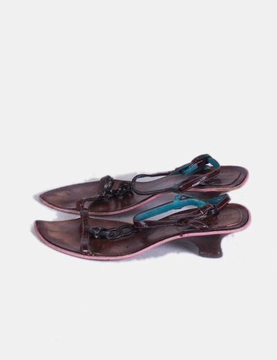 Sandalia marrón cadena Dorotea