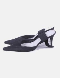 Zapato de tacón negro con lazo Zara 31e9055f6ce