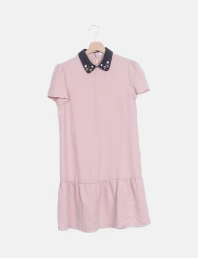 Vestido rosa palo con cuellos