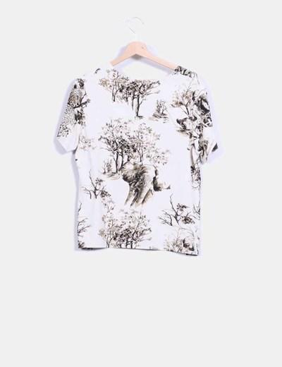 Camiseta beige estampada arboles