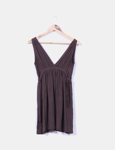 Vestido marrón escote en V Zara