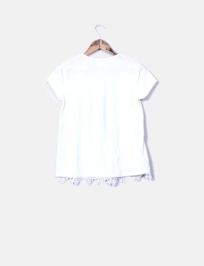 Top blanco combinado con encaje