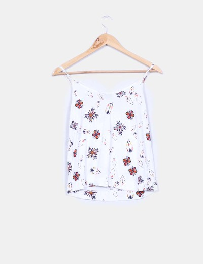 Top blanco estampado con flecos