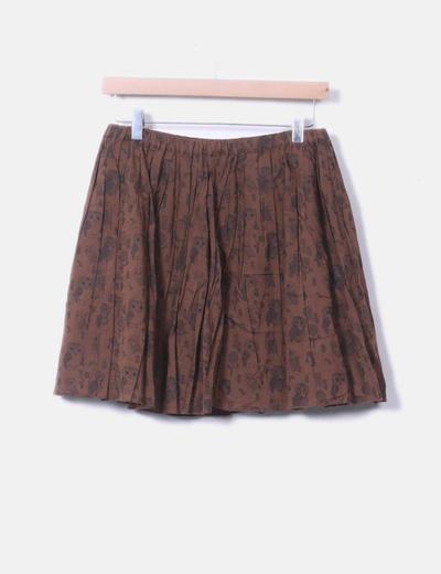 Falda marrón con estampado