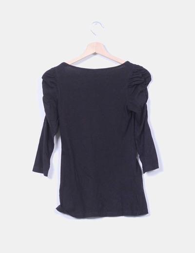 Camiseta basica negra manga abullonada
