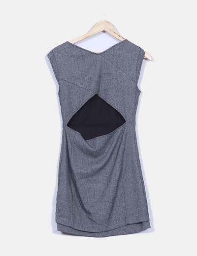 Vestido gris texturizado espalda semi descubierta
