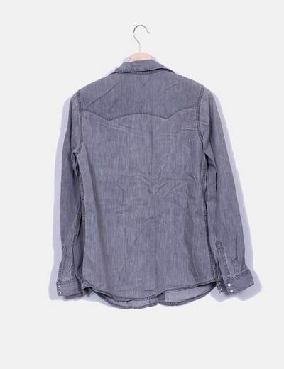 Camisa denim gris con bordado