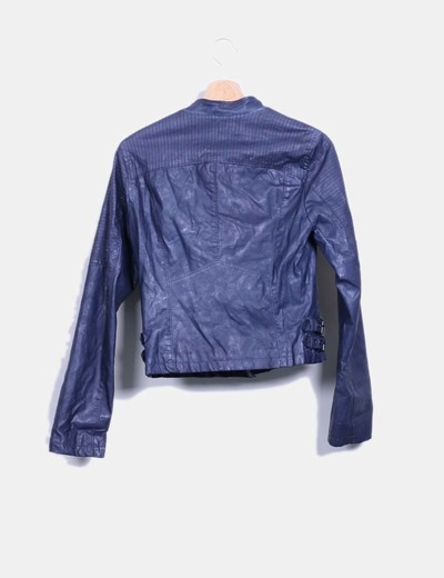 9903ac813af1e Stradivarius Cazadora biker polipiel azul (descuento 78%) - Micolet