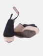 Zapatos cuña negros Corina