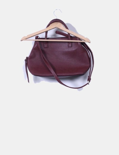 Bolso crossbody color vino texturizado