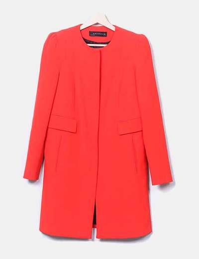 Abrigo recto rojo Zara