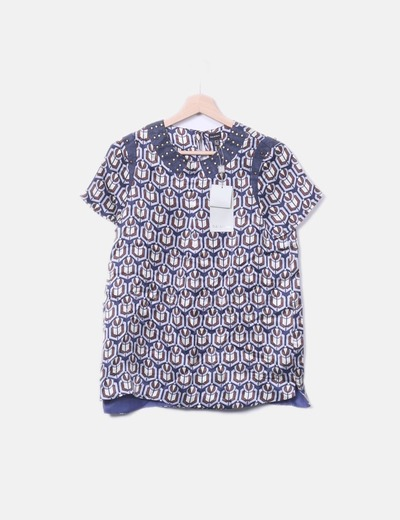 Blusa azul print detalle tachas