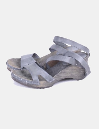 Sandalia tacón de madera Art