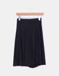 Falda midi negra con vuelo Bershka